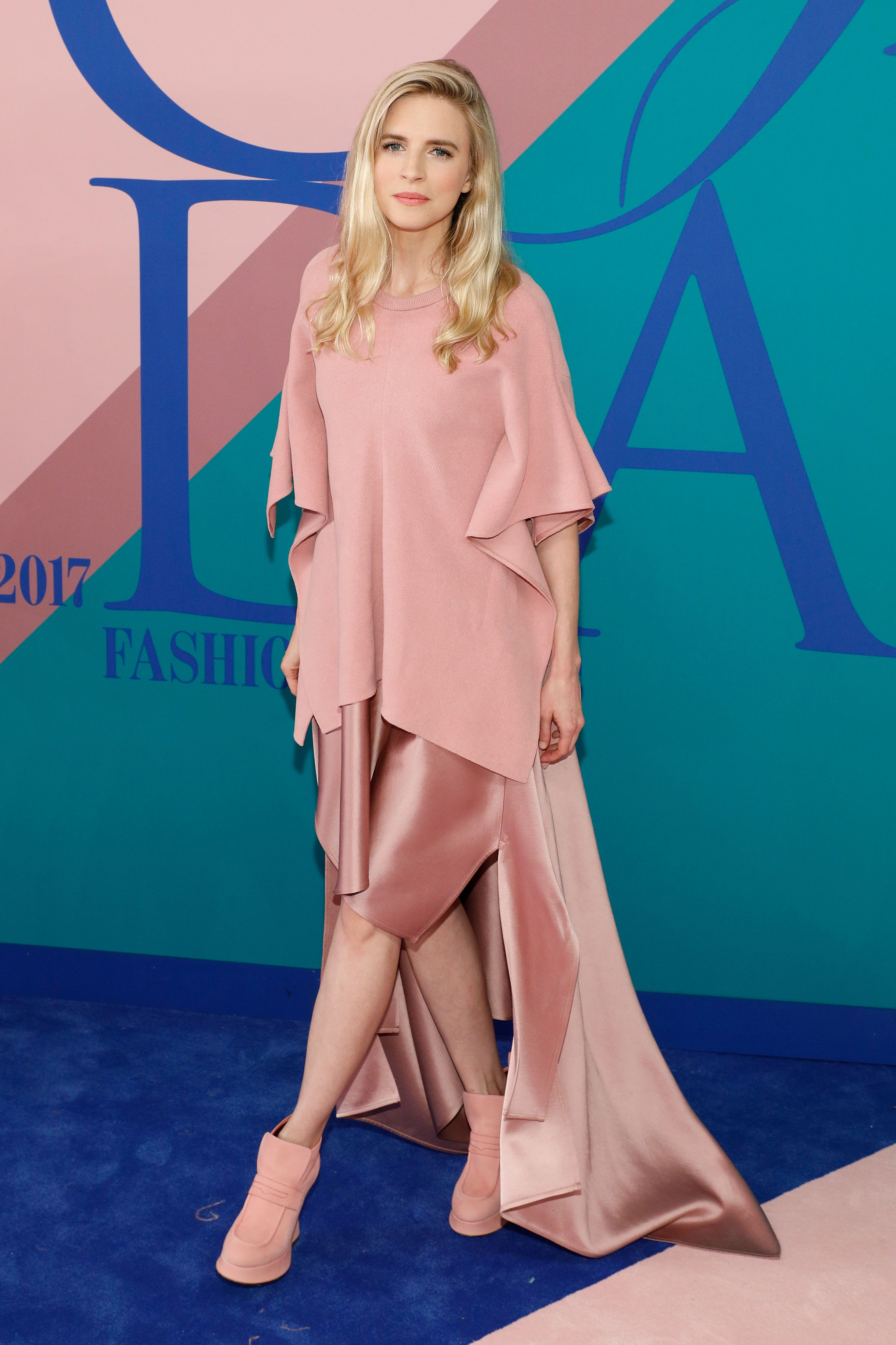 <p>Monochromatic = classic, even if it is putty-pink Sies Marjan. Puffy boots with it all, though? Modern.&nbsp&#x3B;</p>