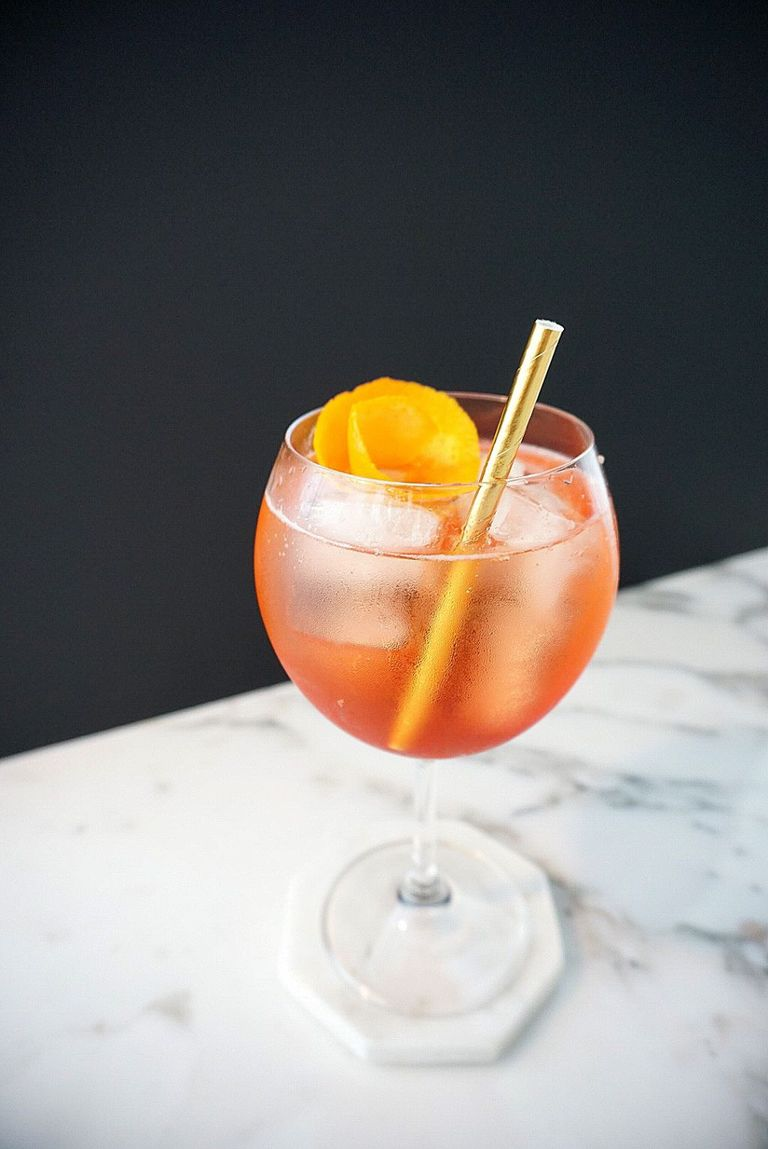 60 Easy Summer Cocktail Recipes