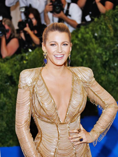 <p>That time when Blake Lively became a legit golden goddess with gold-tipped fingernails, shimmery gold eyeshadow, and a golden-bronze&nbsp;contour. Not pictured: Her two&nbsp;long, statuesque ponytails, also gold.&nbsp;</p>