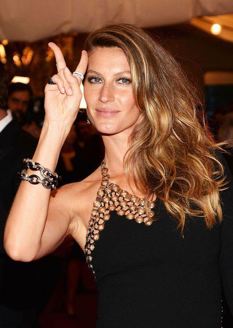 Finger, Eyebrow, Wrist, Style, Eyelash, Fashion accessory, Jewellery, Fashion, Body jewelry, Nail,