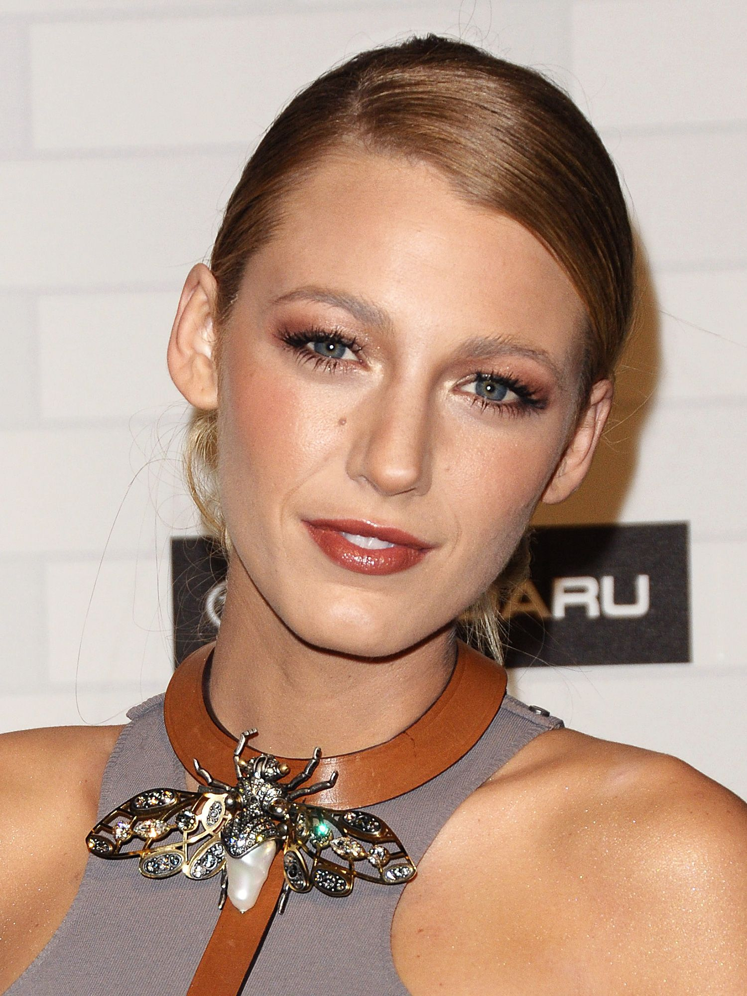 a6313e4d88f 20 Best Blake Lively Hair and Makeup Moments - Best Blake Lively Beauty  Looks