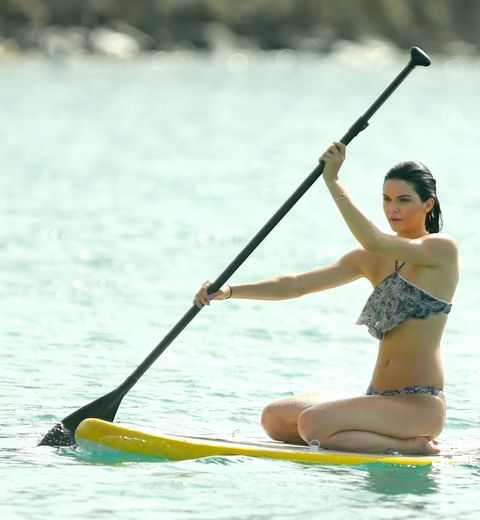 "<p>Ah, yes. It was 2015 when model/entrepreneur Kendall Jenner&nbsp;went seated paddleboarding in St. Bart's.<span class=""redactor-invisible-space"" data-verified=""redactor"" data-redactor-tag=""span"" data-redactor-class=""redactor-invisible-space""></span></p>"