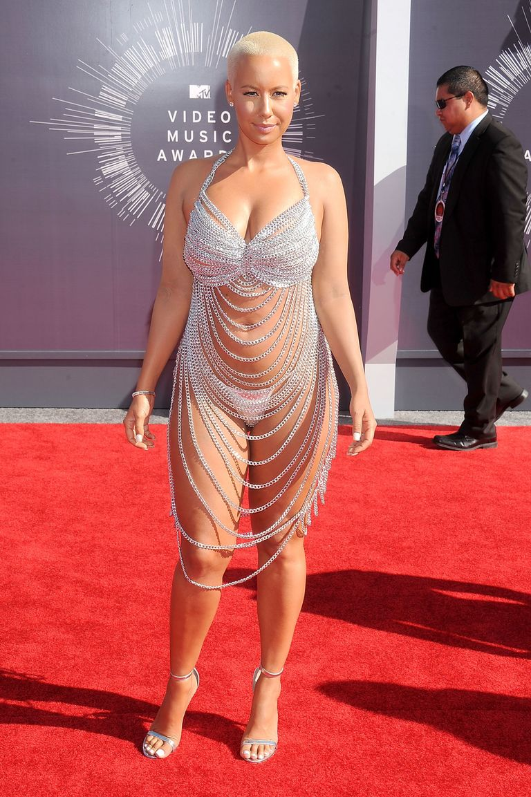 The 50 Most Controversial Outfits Of All Time - Controversial Celebrity Outfits-3157
