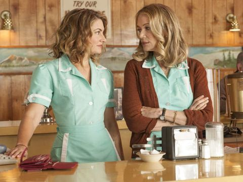 Mädchen Amick and Peggy Lipton in Twin Peaks: The Return
