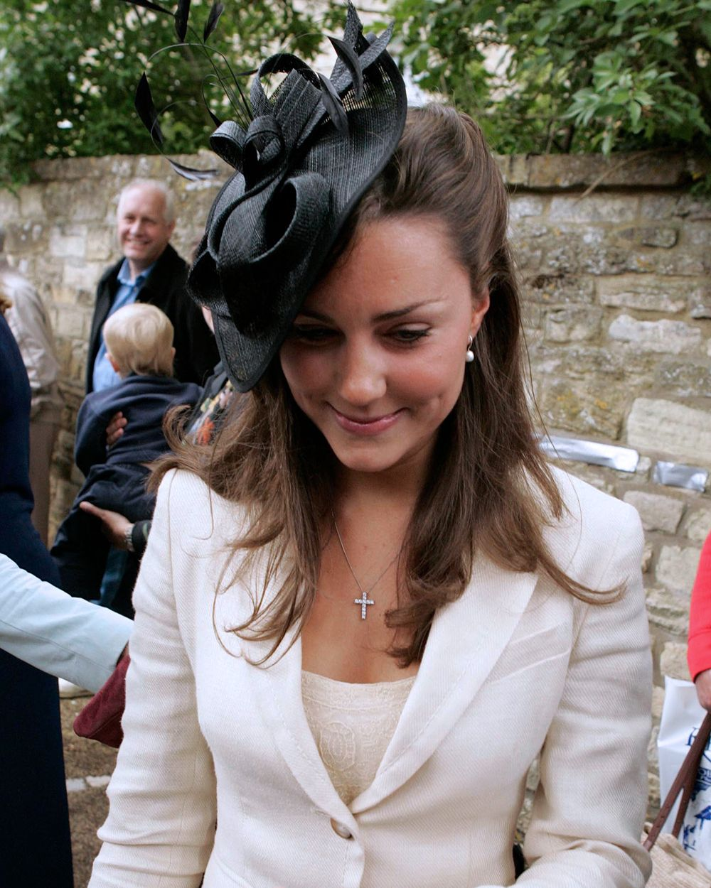 Kate Middleton, Prince William'S Girlfriend Arrives At The Society Wedding Of Hugh Van Cutsem Junior To Rose Astor At Burford Parish Church In Burford. (Photo by Mark Cuthbert/UK Press via Getty Images)