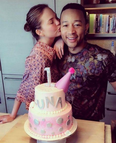 Cake decorating, Fondant, Cake, Icing, Sugar paste, Sweetness, Buttercream, Birthday cake, Pink, Birthday,