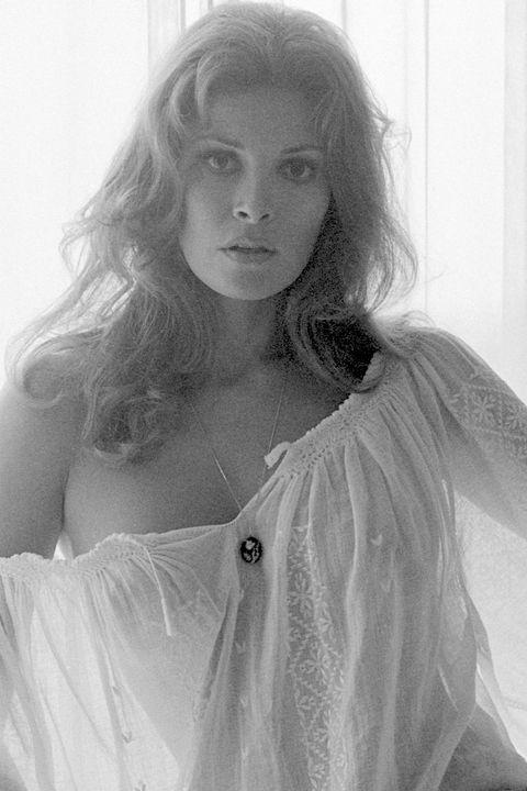 Welch nackt Clare  Raquel Welch