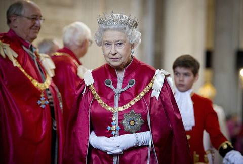 "<p>When the Queen stands, it's <a href=""http://abcnews.go.com/Politics/International/story..."" data-tracking-id=""recirc-text-link"">protocol</a> for everyone to follow. </p>"
