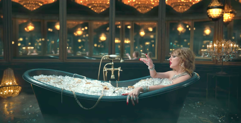 Lighting, Boat, Blond, Bathing, Water transportation, Jacuzzi, Naval architecture,