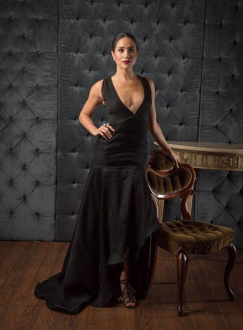 Dress, Shoulder, Beauty, Fashion, Gown, Photography, Sitting, Model, Fashion model, Formal wear,