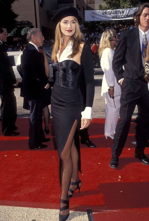 Clothing, Red carpet, Carpet, Dress, Leg, Thigh, Fashion, Event, Flooring, Little black dress,