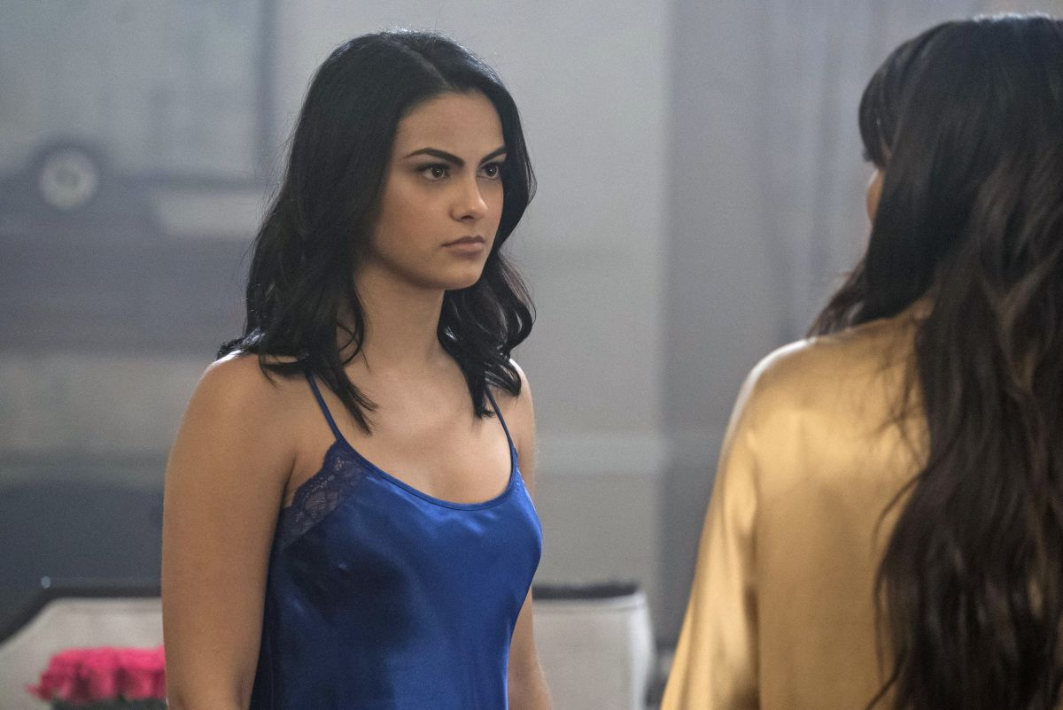 ffafb6313062 50 Best Riverdale Outfits from Season 1 and Where to Buy Them