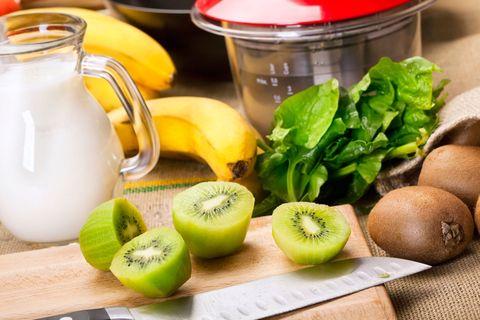 Serveware, Food, Ingredient, Fruit, Produce, Dishware, Natural foods, Tableware, Lemon, Leaf vegetable,