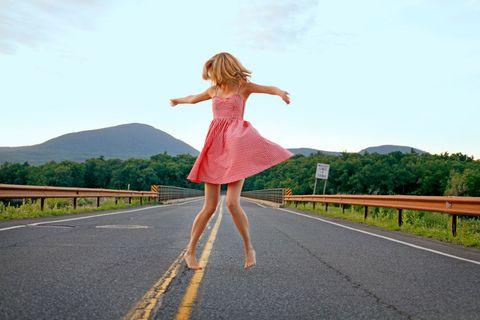 Meet The New (Kick-Ass, In Control) Single Girl