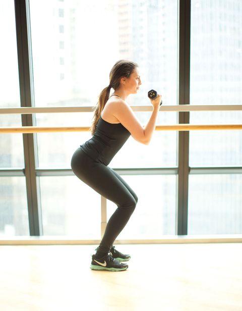Human leg, Elbow, Standing, Waist, Active pants, Knee, Wrist, Thigh, Trunk, Calf,