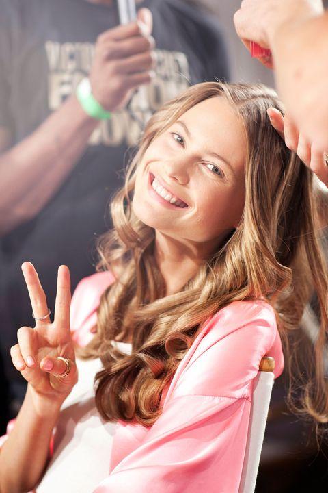 Finger, Lip, Hairstyle, Wrist, Hand, Nail, Style, Thumb, Eyelash, Long hair,