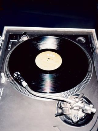 record player at kate bosworths photo shoot