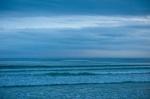 Body of water, Fluid, Blue, Liquid, Daytime, Atmosphere, Ocean, Horizon, Aqua, Turquoise,