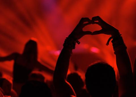 Red, Magenta, Music venue, Orange, Maroon, Concert, Visual effect lighting, Rock concert, Party, Pop music,