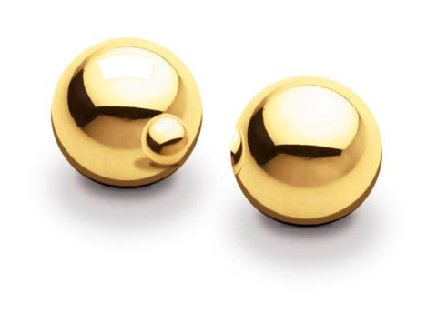 Metal, Brass, Beige, Circle, Material property, Natural material, Earrings, Bronze, Household hardware, Body jewelry,