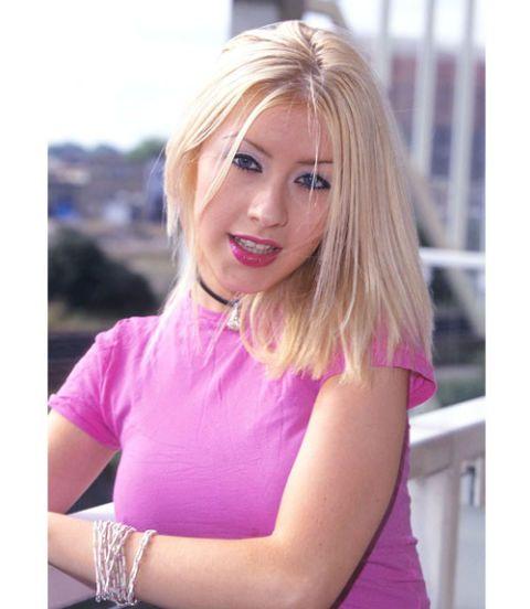 christina-aguilera-galerie-blond-pink-maennlicher-daemon-nackt