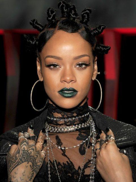 Hairstyle, Eyebrow, Eyelash, Fashion accessory, Style, Black hair, Body jewelry, Fashion model, Fashion, Beauty,