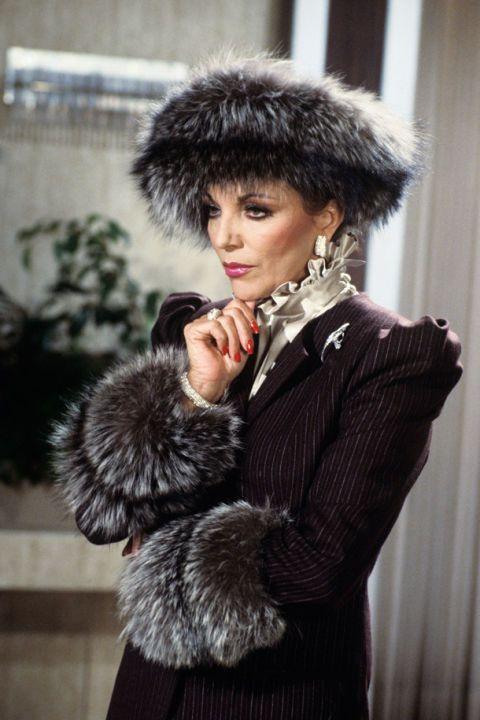 Textile, Fur clothing, Natural material, Headgear, Animal product, Fashion, Street fashion, Costume accessory, Fashion model, Fur,