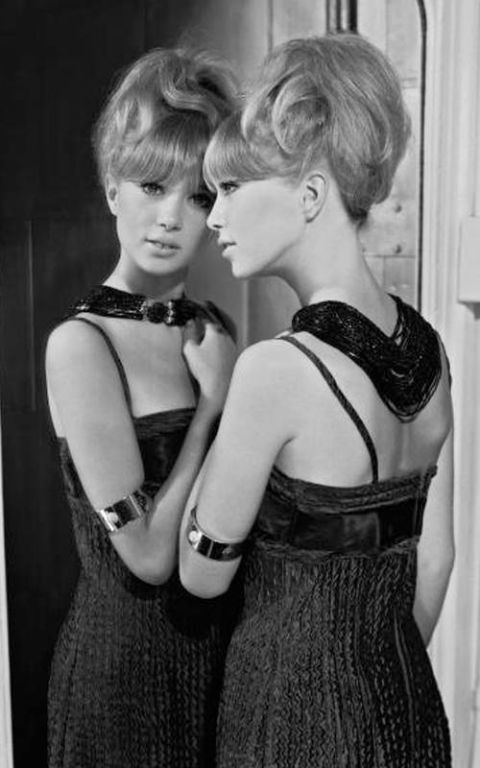 Smart Car Wash >> Supermodels of the 1960s - Famous 60s Models