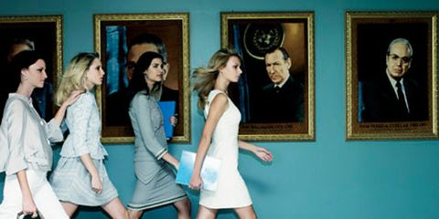 four female un ambassadors walking