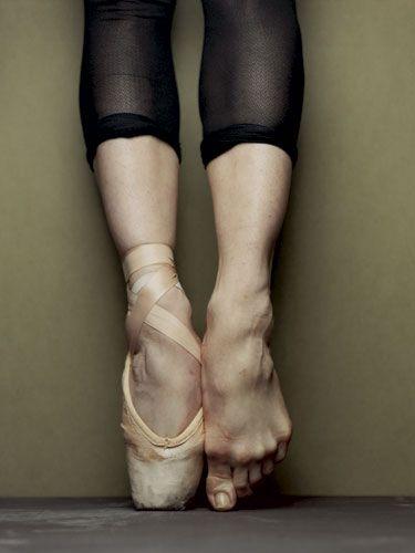 ballerina toes en pointe