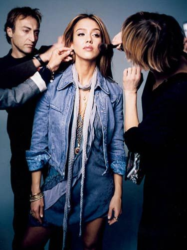 jessica alba behind the scenes getting her hair styled at the marie claire cover shoot