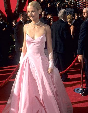 gwyneth paltrow in a pink puffy dress at the 71st annual academy awards