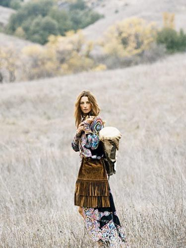 Hippie days are here again.  Adorning herself in luxe chiffon layers, flower-child prints, and leather and stone accessories, the Malibu bohemian becomes one with nature.