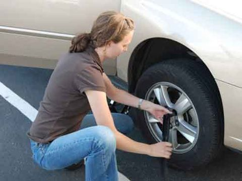 Change A Flat Tire How To Change A Flat Tire