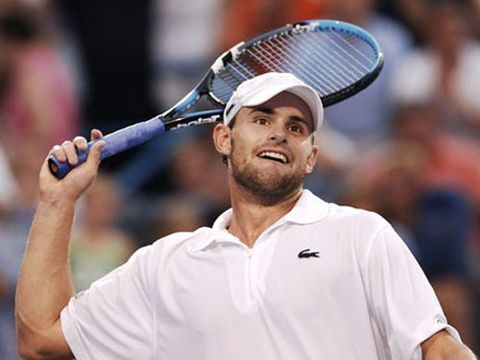 Andy Roddick defeats Lleyton Hewitt, 6-4, 7-6 (4) in the semifinals of the Western and Southern Financial Group Masters tennis tournament in Mason, Ohio on August 20, 2005.