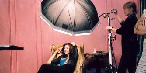 maggie gyllenhaal photo shoot behind the scenes