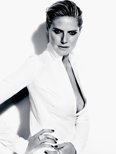 black and white heidi klum photo