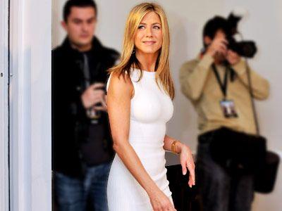 5 Yoga Poses to Get Jennifer Aniston's Body