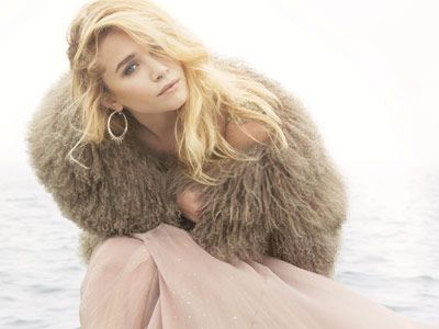 mary kate olsen in marc jacobs fur and pink dior dress