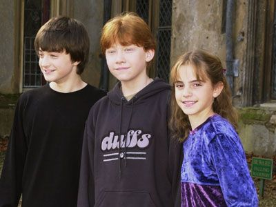 daniel radcliffe rupert grint and emma watson on harry potter set