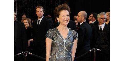 annette bening on the 2011 oscars red carpet