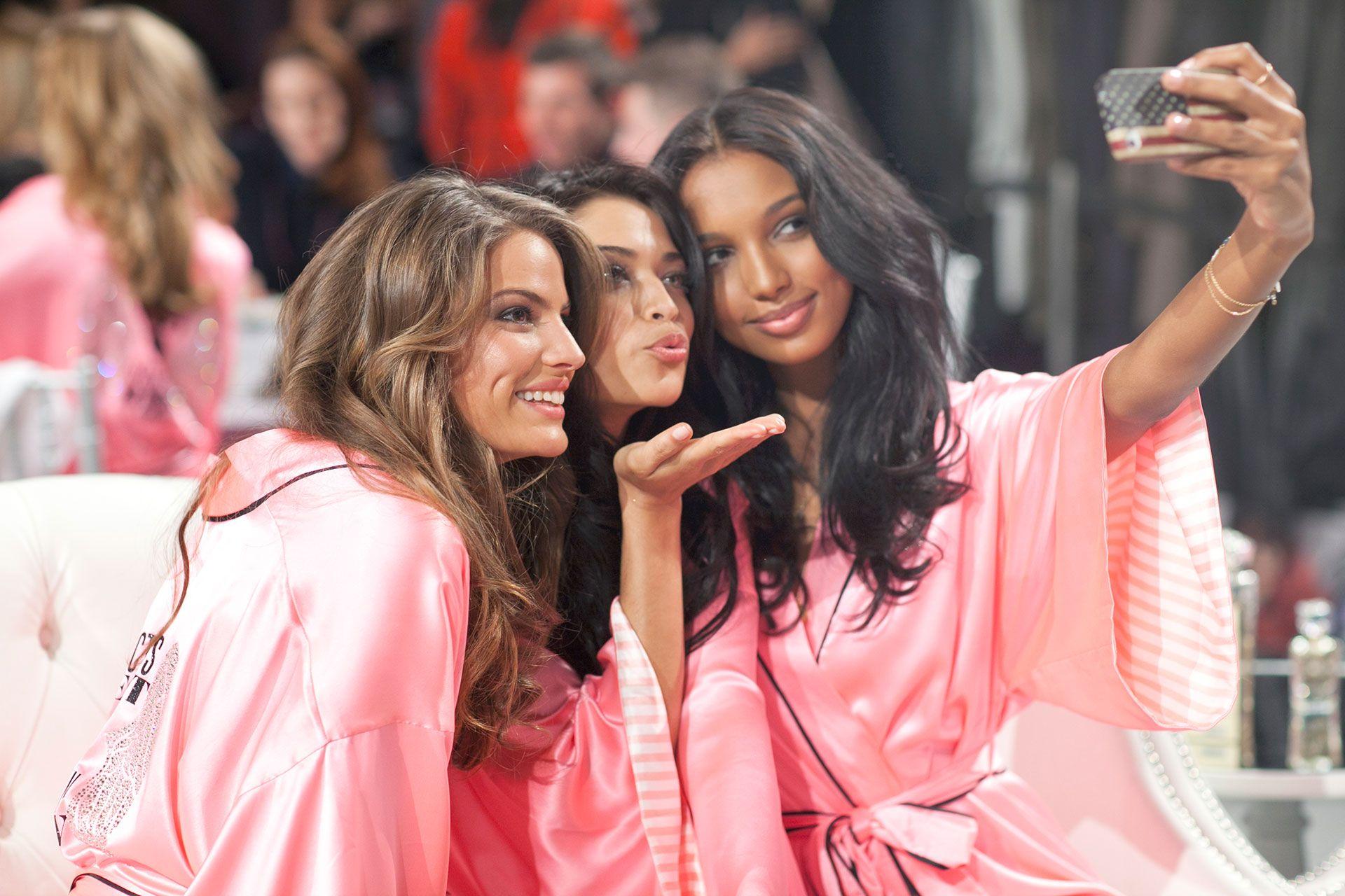 f217e2ec2dcba Backstage Photos from the 2012 Victoria's Secret Fashion Show ...