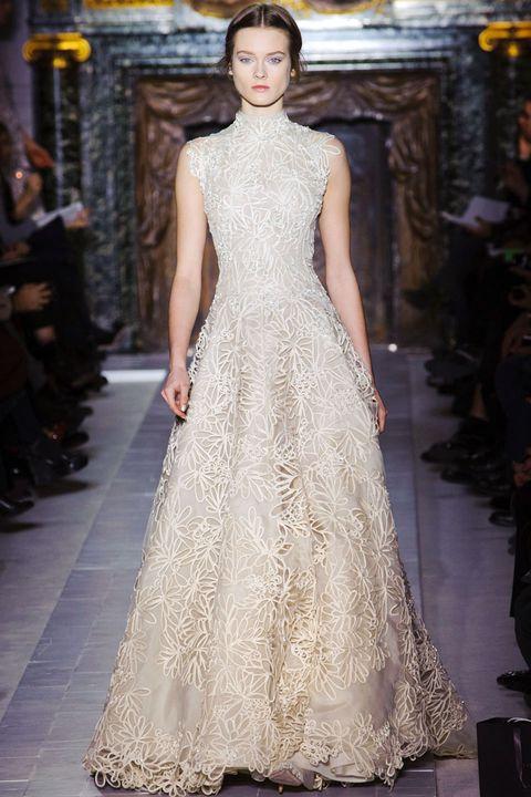 Shoulder, Dress, Fashion show, Fashion model, Style, Formal wear, Gown, Runway, Street fashion, Fashion,