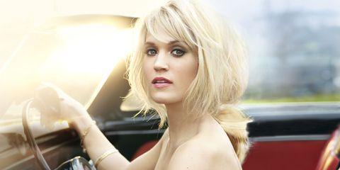 Mouth, Hairstyle, Shoulder, Eyelash, Sitting, Beauty, Blond, Model, Vehicle door, Long hair,