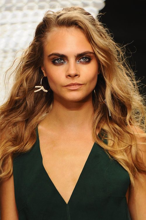 7 Photos of Cara Delevingne's Eyebrows Because Why Not