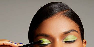 How-To Do a Mod Neon Green Cat Eye