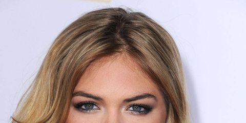 Lip, Hairstyle, Chin, Forehead, Shoulder, Eyebrow, Eyelash, Beauty, Step cutting, Neck,