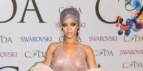 Human, Style, Eyelash, Model, Fashion model, Hair accessory, Carpet, Headpiece, Advertising, Makeover,