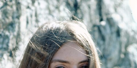 Nose, Lip, Hairstyle, Textile, Winter, People in nature, Beauty, Long hair, Pattern, Street fashion,