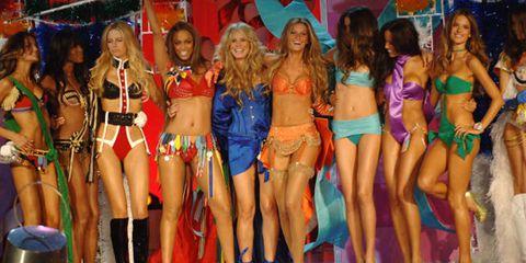 Leg, Human leg, Thigh, Abdomen, Trunk, Youth, Fashion model, Muscle, Public event, Model,